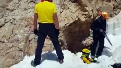 Kayıp dağcı babalar gününde aranıyor