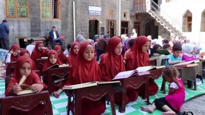 ogrenciler - Diyarbakır'da yaz dönemi Kur'an kursları başladı