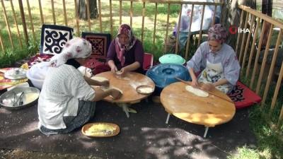 Kırgız Türkleri kültürlerini yaşatmaya çalışıyor