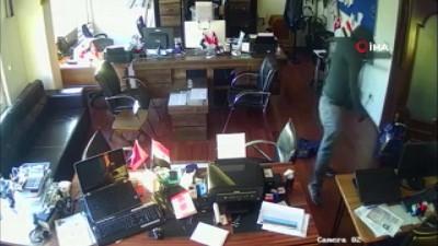 Fatih'te ev ve iş yerlerine dadanan hırsızlar kamerada