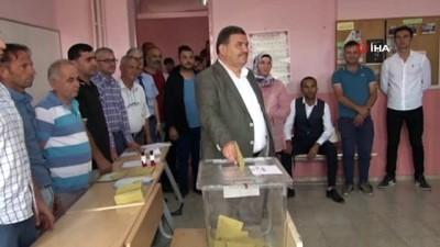 baskan adayi -  Honaz'da adaylar oylarını kullandı