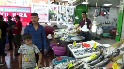 Ramazan ayında balıkçı esnafı satışlarından memnun