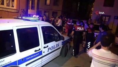 silahli saldirgan -  Silahlı saldırgan, tornavidayla polislere saldırdı