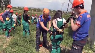 Öğretmenler hayat kurtarmak için arazide - AĞRI