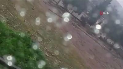 cekim -  Yağışlar Tarsus'ta okul ihata duvarını yıktı... Dehşet anlar kamerada