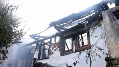 3 ahşap ev yandı - ISPARTA