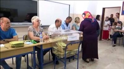 oy kullanimi - Oy verme işlemi sürüyor - İSTANBUL