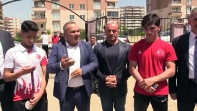 Avrupa şampiyonu güreşçilere coşkulu karşılama - SİİRT