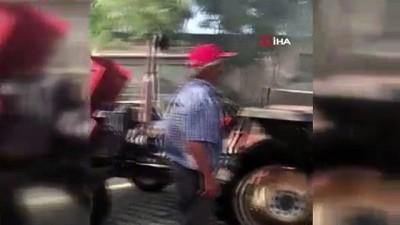 Egzoztan sıçrayan kıvılcım traktörü yaktı
