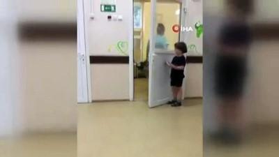 baglama -  - Rus Hemşire Tedavi Gören Çocuğu Yatağa Bağladı
