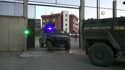 Polislere saldırı girişiminde bulunan şahıslara operasyon: 8 kişi yakalandı