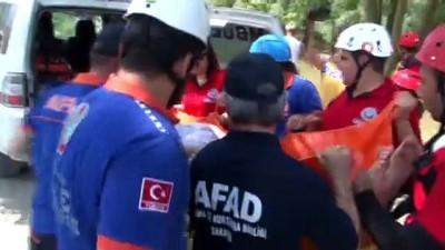 kurtarma tatbikati -  Sakarya Nehri'ne düşen vatandaşların kurtarılma anları nefes kesti