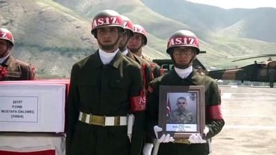 Şehit asker için tören düzenlendi - HAKKARİ