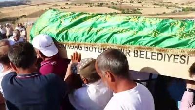 Kayseri'deki trafik kazası - Kazada hayatını kaybeden 2 kişinin cenazeleri toprağa verildi - ELAZIĞ