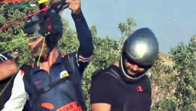 Şırnak'ta Yamaç Paraşütü Hedef Yarışmaları başladı
