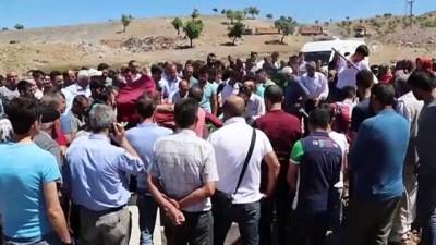 Kayseri'deki trafik kazası - Kazada hayatını kaybeden kardeşler toprağa verildi - ELAZIĞ