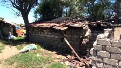 Evi yanan aileye yardım eli uzandı - BURDUR