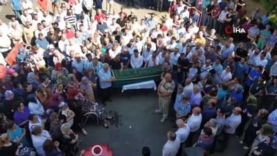 cenaze araci -  Görev yaptığı hastaneye giderken düşerek hayatını kaybeden sağlıkçı için tören düzenlendi