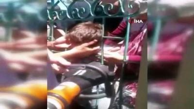 Kafası parmaklıklara sıkışan çocuğu itfaiye ekipleri kurtardı