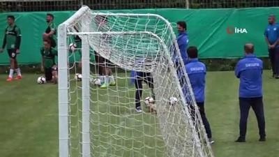 teknik direktor - Konyaspor antrenmanına davetsiz misafir