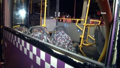 guvenlik onlemi -  Sürücü kalp spazmı geçirdi, panelvan halk otobüsüne çarptı: 4 yaralı