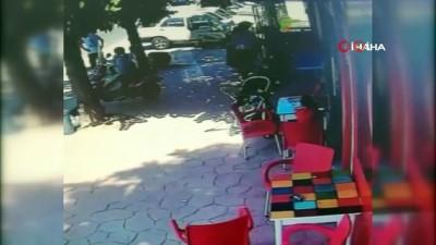 Yaşlı adam engelli aracı ile kafeye böyle daldı