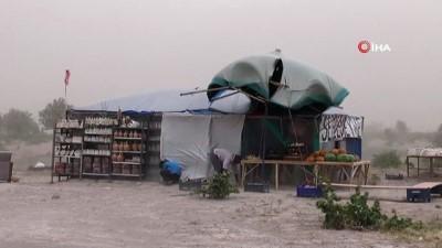 Nevşehir'de kuvvetli rüzgar ağaçları devirdi, çatıları uçurdu
