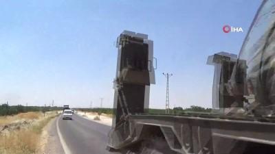 zirhli araclar -  Sınır hattında tank ve mühimmat sevkiyatı