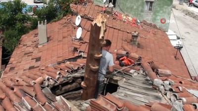 nadan -  Fırtınadan minaresi yıkılan cami ibadete kapatıldı