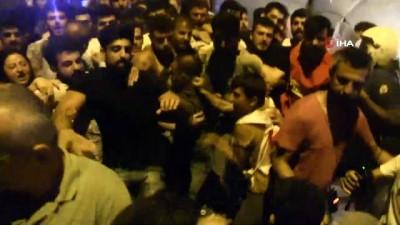 Samandağ'da polis ile eylemciler arasında arbede çıktı