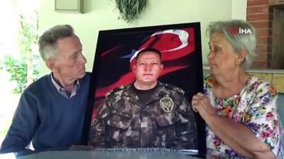 15 Temmuzda şehit olan Emniyet Müdürü Ufuk Baysan'ın Düzce'deki baba ocağında acısı halen yaşanıyor
