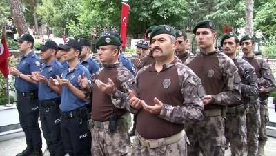15 Temmuz şehitleri Pınarbaşı Mezarlığı'nda anıldı