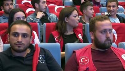 Bakan Kasapoğlu 15 Temmuz'un üçüncü yılında gençlerle bir araya geldi