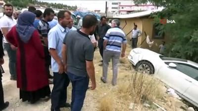 Freni boşalan araç park halindeki otomobile çarptı: 4 yaralı