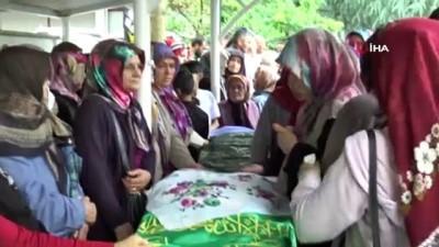 cenaze namazi -  Giresun'daki kazada hayatını kaybeden anne ve oğlu son yolculuğuna uğurlandı