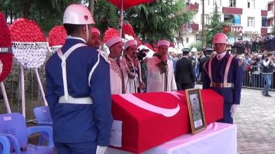 cenaze namazi -  Hakkari şehidi gözyaşlarıyla son yolculuğuna uğurlandı