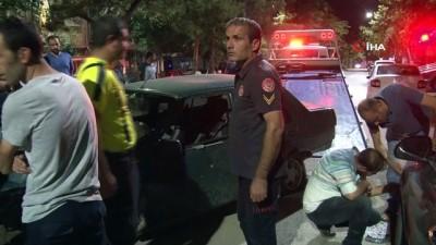 Otomobil önce refüje sonra 4 araca çarptı: 2 yaralı