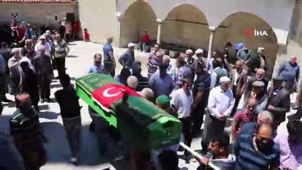 cenaze araci -  Öldüren baba oğul defnedildi