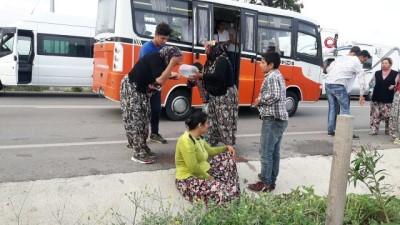 tarim iscisi -  Çanakkale'de can pazarı...Traktörle işçi minibüsü çarpıştı: 2'si ağır 17 yaralı