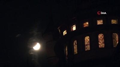 Eskişehir'de parçalı ay tutulması izleyenleri kendine hayran bıraktı