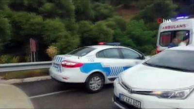Isparta-Konya karayolu üzerinde 2 aracın çarpışması sonucu meydana gelen kazada ilk belirlemelere göre 3 kişi öldü, 1 kişi yaralandı. Video