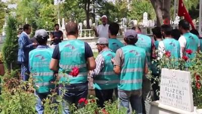 kamu gorevlileri -  Karaman'da hükümlüler şehitlikleri temizledi