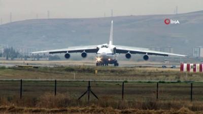 S-400 teslimatında 15. uçak Mürted Hava Üssü'ne indi Video