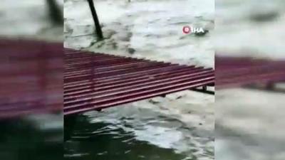 siddetli yagis -  Sakarya'da şiddetli yağış sele neden oldu
