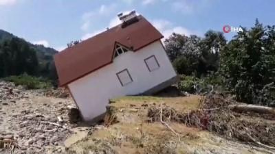 helikopter -  Esmahanım'daki felaketin boyutu gün ağarınca ortaya çıktı