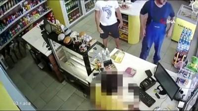- Rusya'da Yaşlı Adam Kadını Tecavüzden Kurtardı