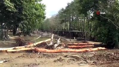 helikopter -  Sel felaketinde kaybolan 4'ü çocuk 6 kişiyi arama çalışmaları devam ediyor