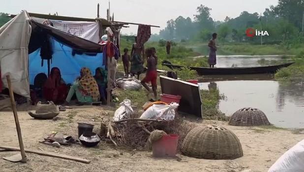 siddetli yagis -  - Güney Asya'daki sel felaketinde ölü sayısı 300'ü aştı