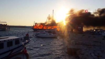 İzmir'de gezi teknesi alev alev böyle yandı