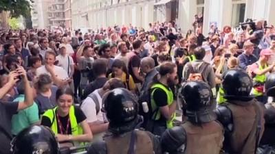 - Rusya'daki Protestolarda Gözaltı Sayısı Bine Yükseldi